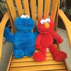KAWS X uniqlo Cookie Monster & Elmo plush